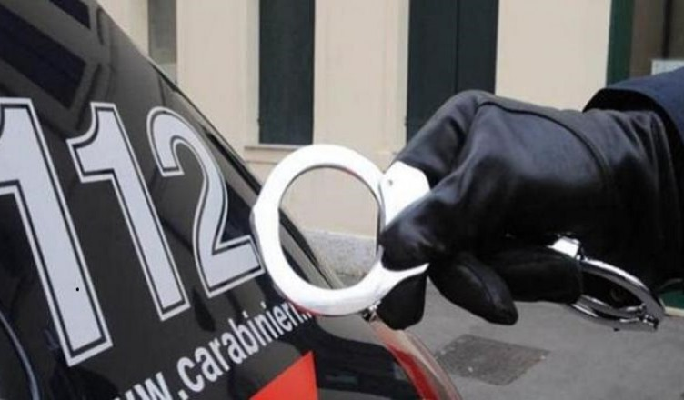 carabinieri-manette