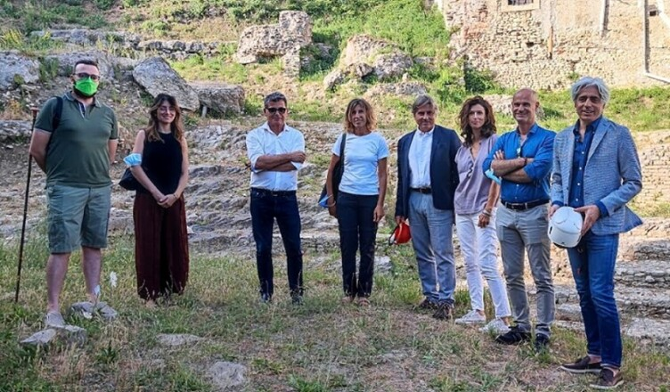 Lavori teatro romano Ferentino